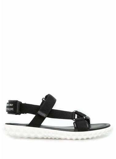 Sandalet-Valentino